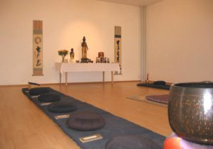 Zendo mit Altar